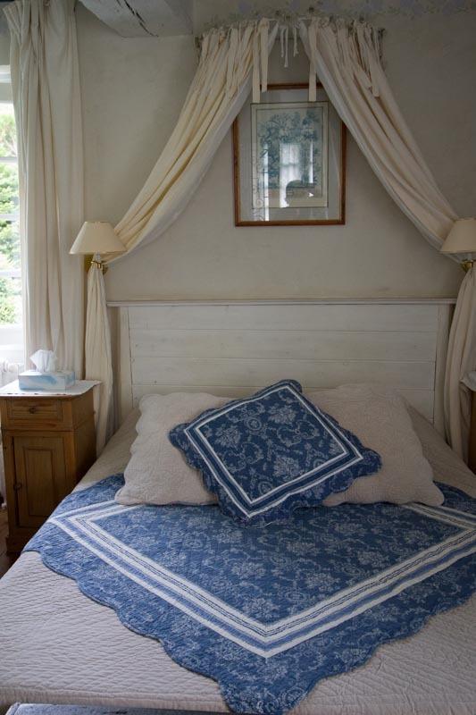 Das Bett im romantischen Stil
