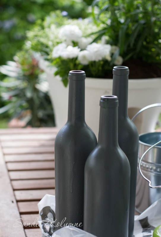 Weinflaschen mit Kunststoffspray 2