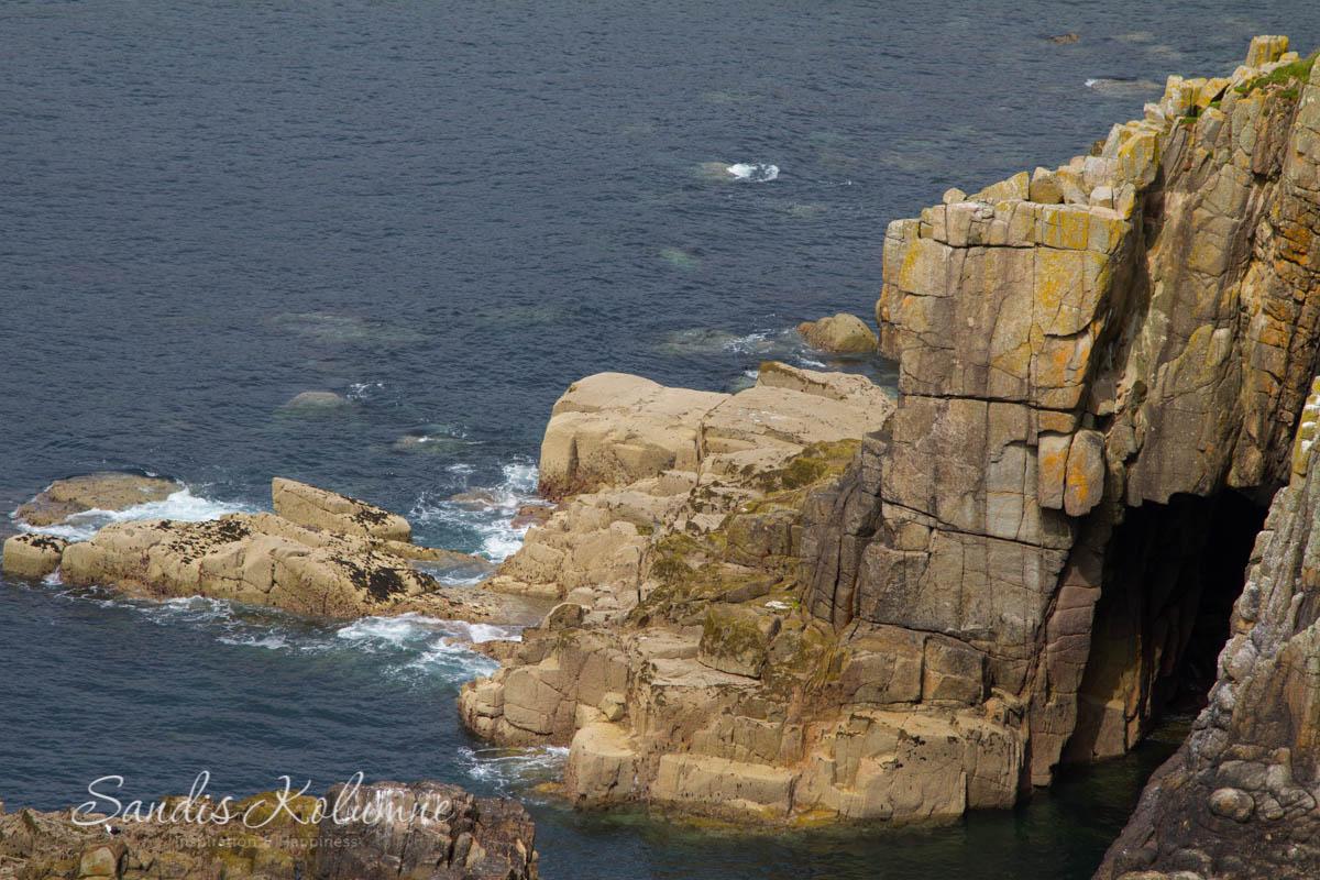 Dangerous Cliffs 3