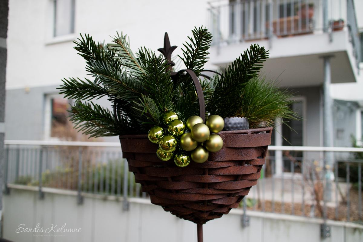 Adventsdeko Terrasse und Garten 2015 12