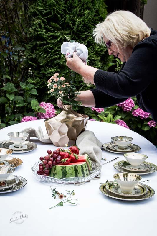 Sandra Dirks - Fotoshooting Sammeltassen - Schau sie dir an, sie sind wunderschoen
