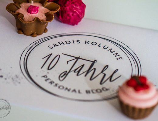 Sandra Dirks - Boggeburtstag! 10 Jahre SanDis Kolumne! Blumen, Kuchen und Pralinen