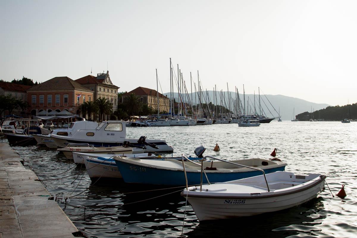 Sandra Dirks - Stari Grad Hvar Hafen in der Abenddämmerung