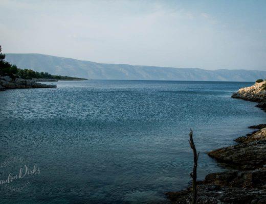 Sandra Dirks - Vila Rosa Blick vom Meer auf die Bucht