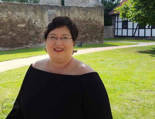 Sandra Dirks - Mein langes schönes schwarzes Kleid von Eloquii