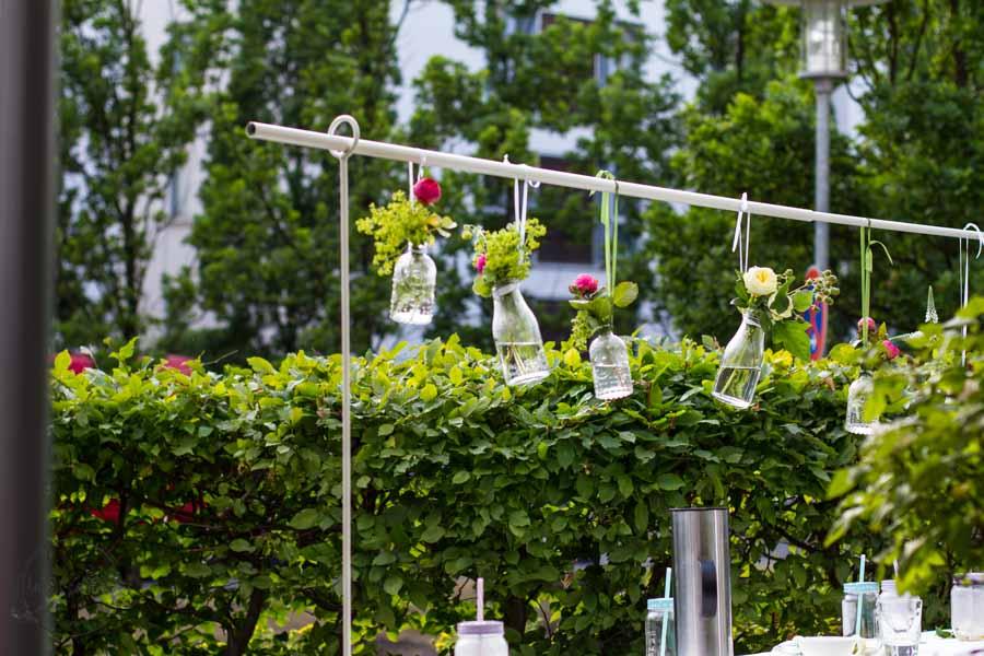 FridayFlowerday auf SanDis-Kolumne: Familie, Rosen, Kuchen und Tafelklem TOON https://www.sandis-kolumne.de/gartendings/friday-flowerday-familie-rosen-kuchen-und-tafelklem-toon Dekoriert und gebacken für den Sommernachmittag im Garten – Sandra Dirks
