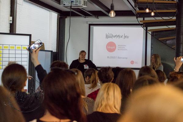 Sandra Dirks - Blogst Barcamp Begrüßung