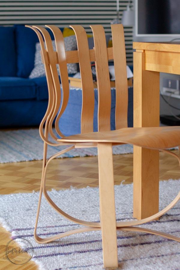 Sandra Dirks - Wohnzimmer neu mit Raumtraum Braunschweig Hat Trick Chair von Frank Gehry