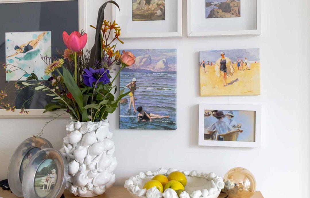 Sandra Dirks - FlowerFriday mit buntem Blumenstrauß und Muschelvase