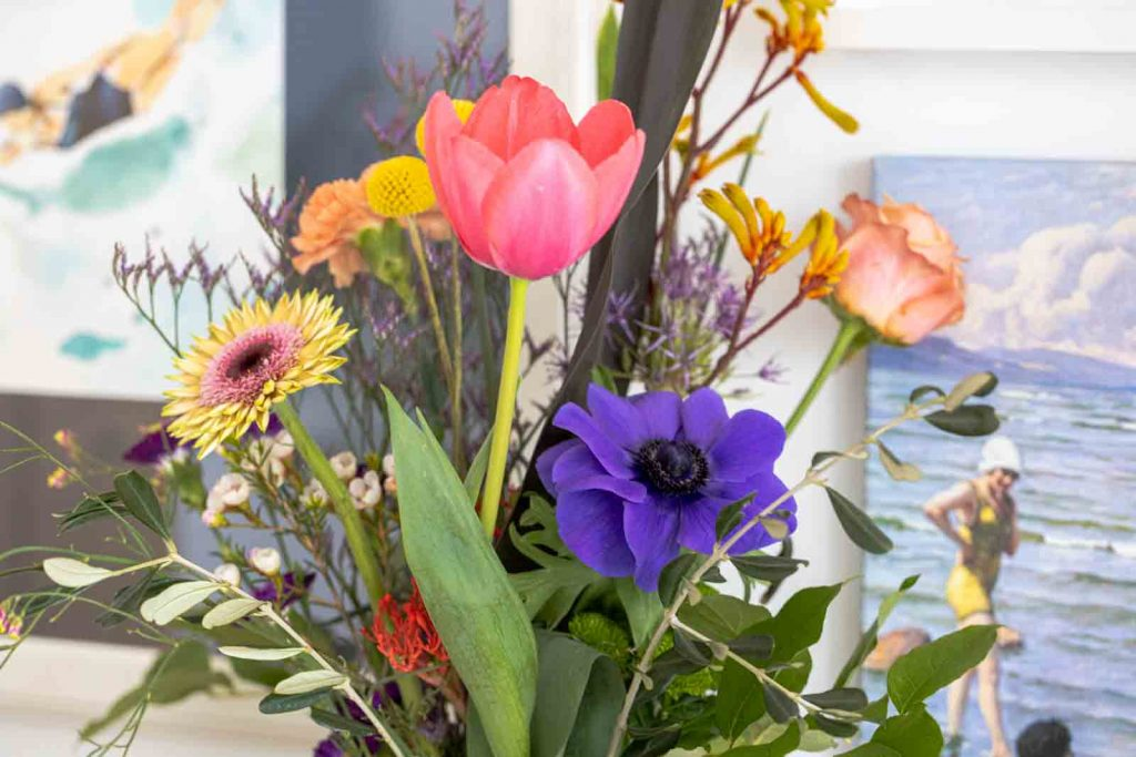 Sandra Dirks - FlowerFriday mit buntem Blumenstrauß